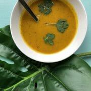 Glutenvrije soep met pompoen en linzen