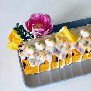 glutenvrij pasen feestdagen cake versieren citroen bosbessen